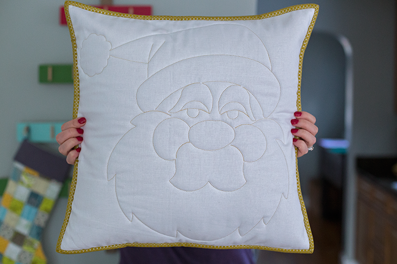 Quilted-Santa-Pillow-by-Crinklelove2
